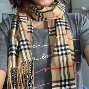 Burberry cashmere classic scarf